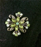 Green flower brooch
